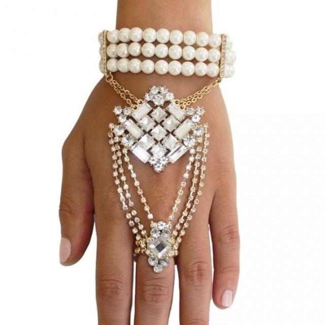 White Pearl Wedding Bracelet For A Gorgeous Look 2042014