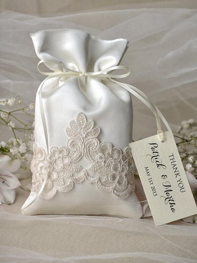 Vintage wedding favor bag lace wedding favor bags for Wedding favor gift bags