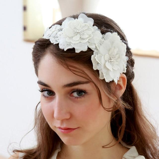 Zubehör - White Blossoming Flower Wedding Headband  2261693 - Weddbook da2c382a477