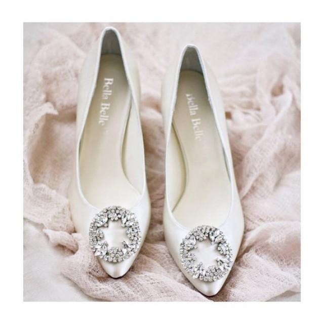 Ivory Or White Silk Wedding Shoes With Vintage Oval Crystal Rhinestone  Brooches Kitten Heel Bridal Shoes   New #2358739   Weddbook