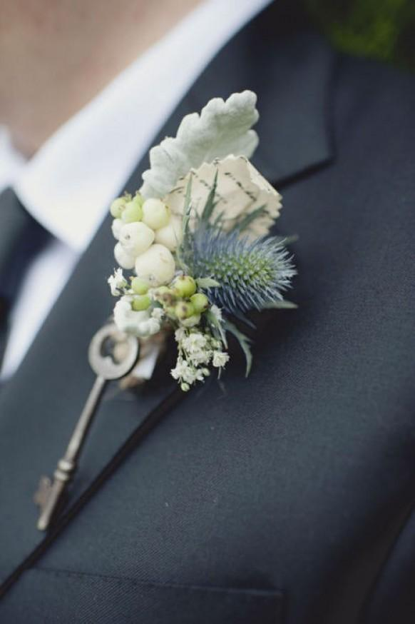 winter wedding vintage boutonniere for groom 791017 weddbook. Black Bedroom Furniture Sets. Home Design Ideas