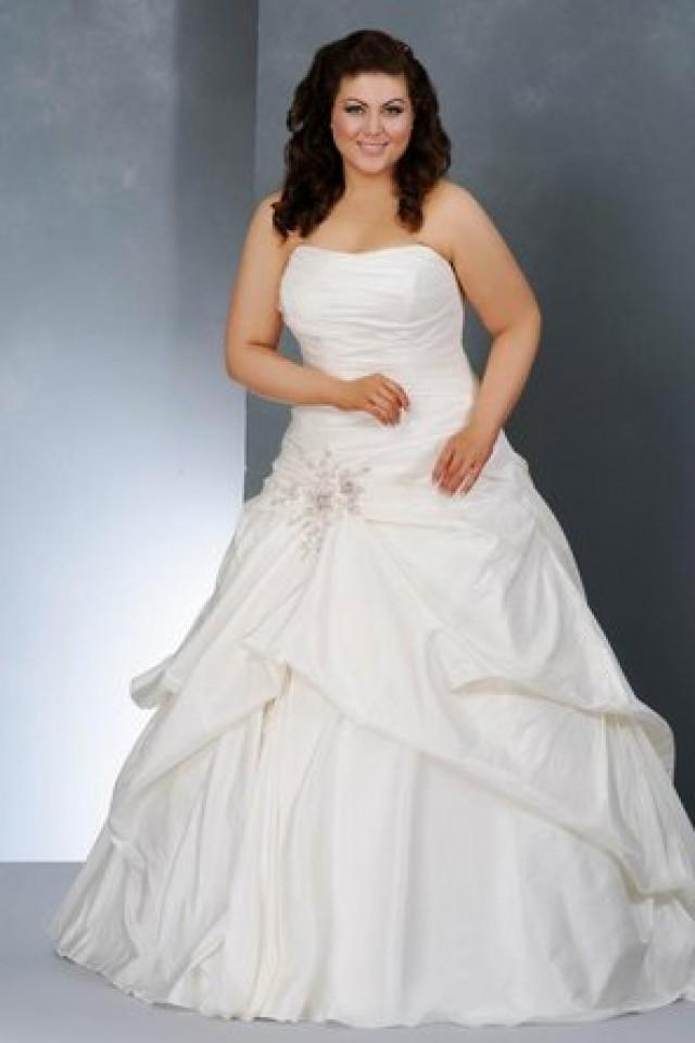 Wedding nail designs group usa camille la vie bridal for Plus size wedding dresses online usa