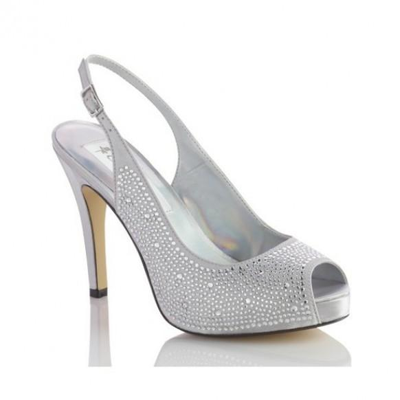 Fashionable wedding shoes chic and comfortable wedding for Comfortable wedding dress shoes